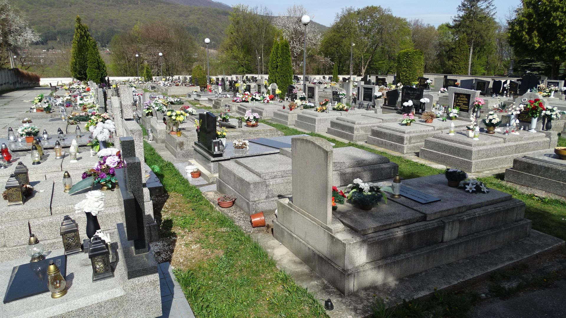 pohreb - cintorín - hroby