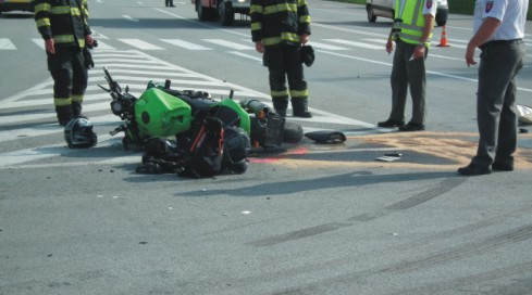motorka sa zrazila s dodávkou